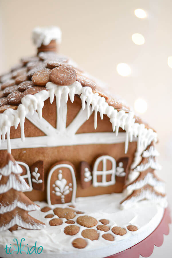 Free Printable Chalet Gingerbread House Template | Tikkido.com on marzipan icing, stick pretzels with white icing, gingerbread on houses, lemon glaze icing, cake icing, biscuit icing, birthday icing, basket icing, french vanilla icing,