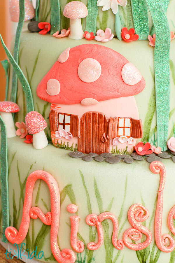 Sparkly Toadstool Tutorial For Cake Decorating Tikkido