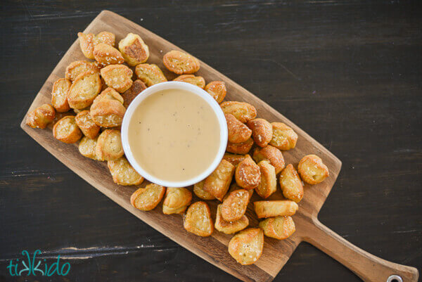 Game-day Recipe: Pretzel Bites and Beer Cheese Dipping Sauce | Tikkido ...