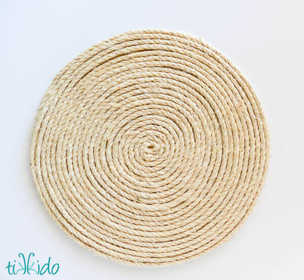 Rustic nautical rope charger tutorial pottery barn style for Where to buy nautical rope for crafts