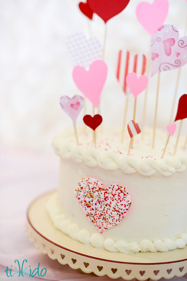 Easy Cake Decorating With Sprinkles : Speedy, Easy, Sprinkle Heart Cake Decoration Tutorial ...