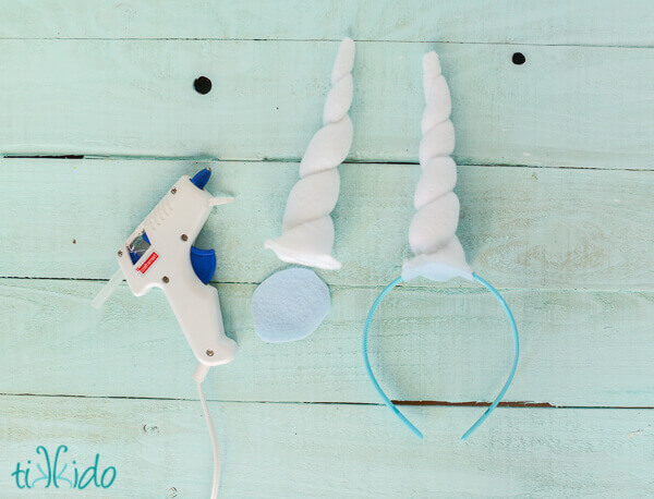 Photo showing how to attach felt unicorn horn to a headband with a low  temperature glue 4df42379fb2