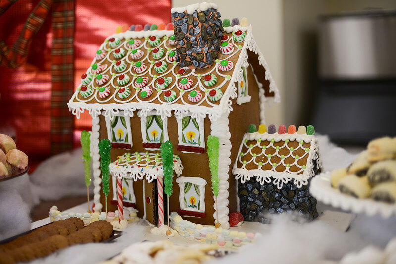 How To Make A Gingerbread House Recipe — Dishmaps