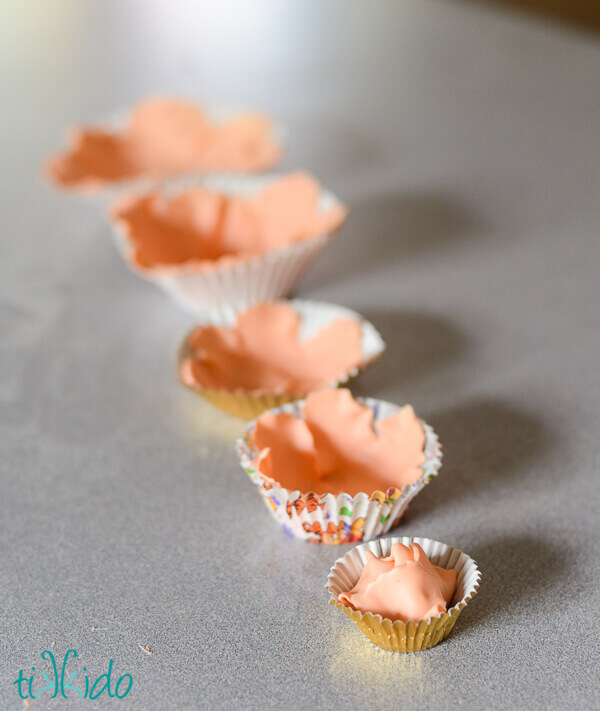 Fondant Ruffle Flowers Take Your Toothpick Place It About 1 Inch 2 5 Cm