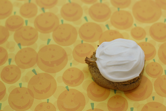 Pumpkin Cookies with Cream Cheese Icing from Tikkido