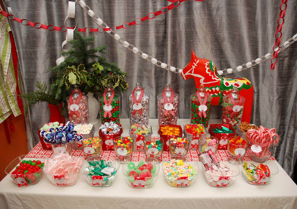 If You Can Even See It Under All That Candy. ; ) This Yearu0027s Table Runner  ...
