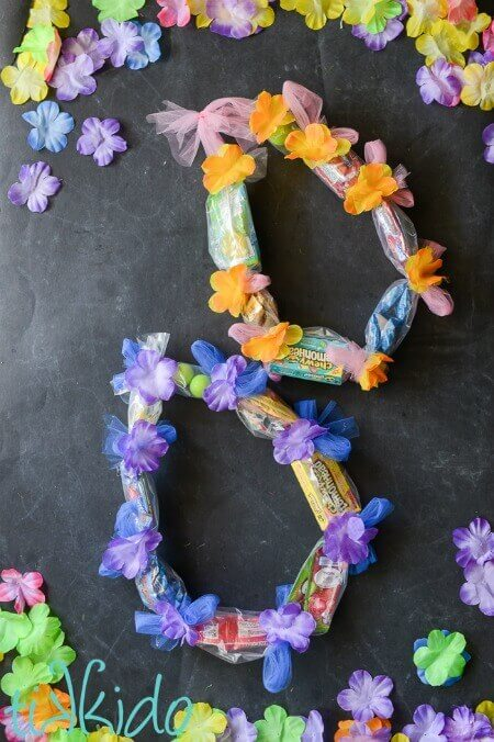 Lei Can Be Made With Construction Paper Yarn Solid: Candy Hawaiian Lei Tutorial