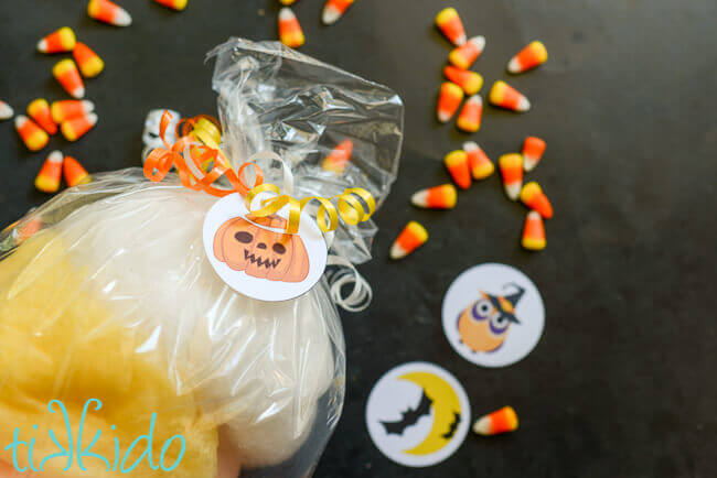 Free printable Halloween tags for bags of cotton candy.