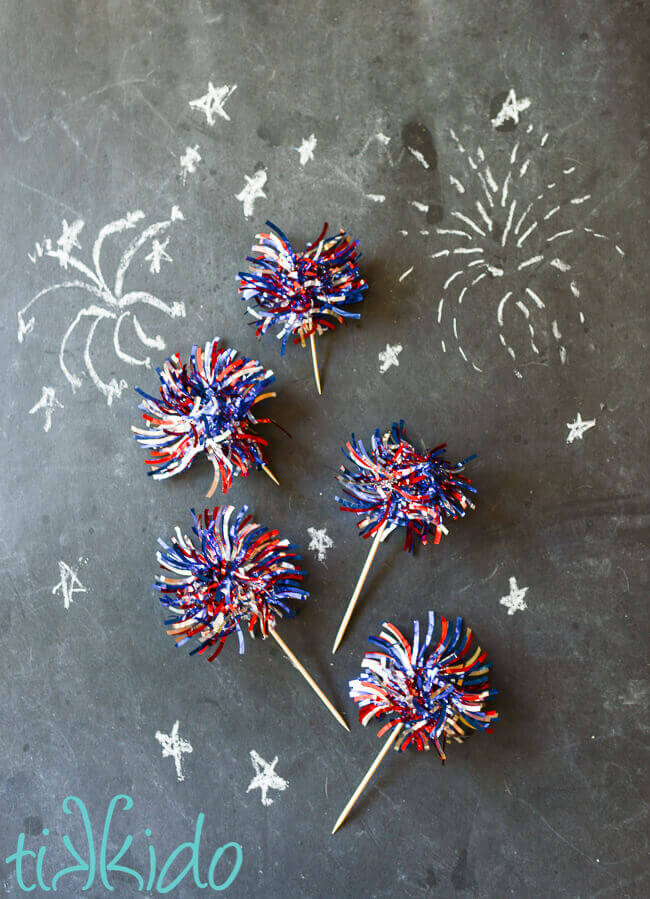fireworks cupcake toppers made from patriotic tinsel garland
