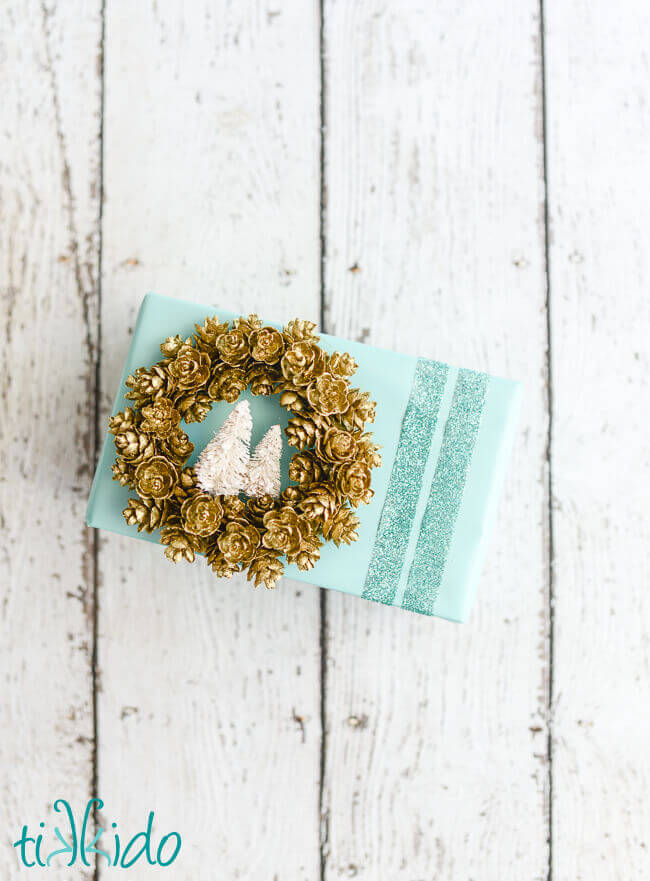 Pine Cone Wreath Ornament Tag Tutorial