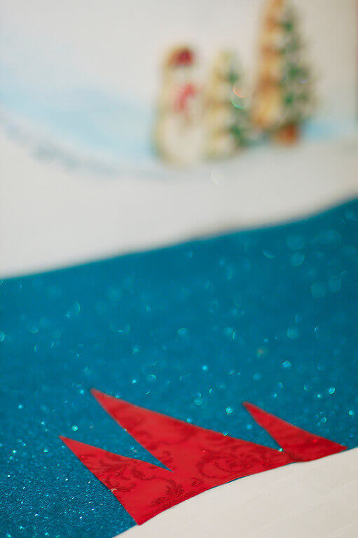 DIY Project: How To Make A Wrapping Paper Table Runner
