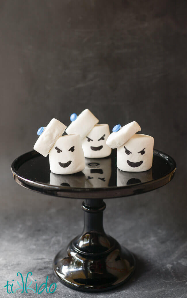Draw On A Very Simple Stylized Stay Puft Marshmallow Man Face With Food Coloring And Youve Got Yourself The Perfect Ghostbuster Treats In No Time At All