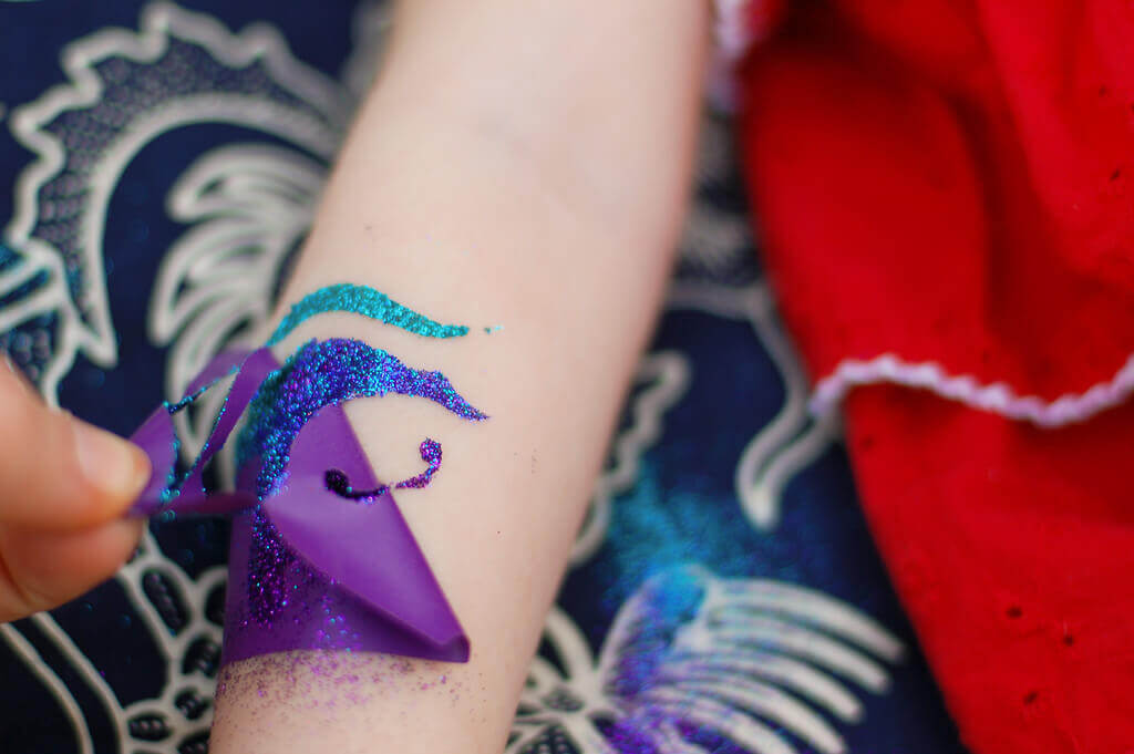 How To Do Your Own Glitter Tattoos Tikkidocom - Design your own tattoo game