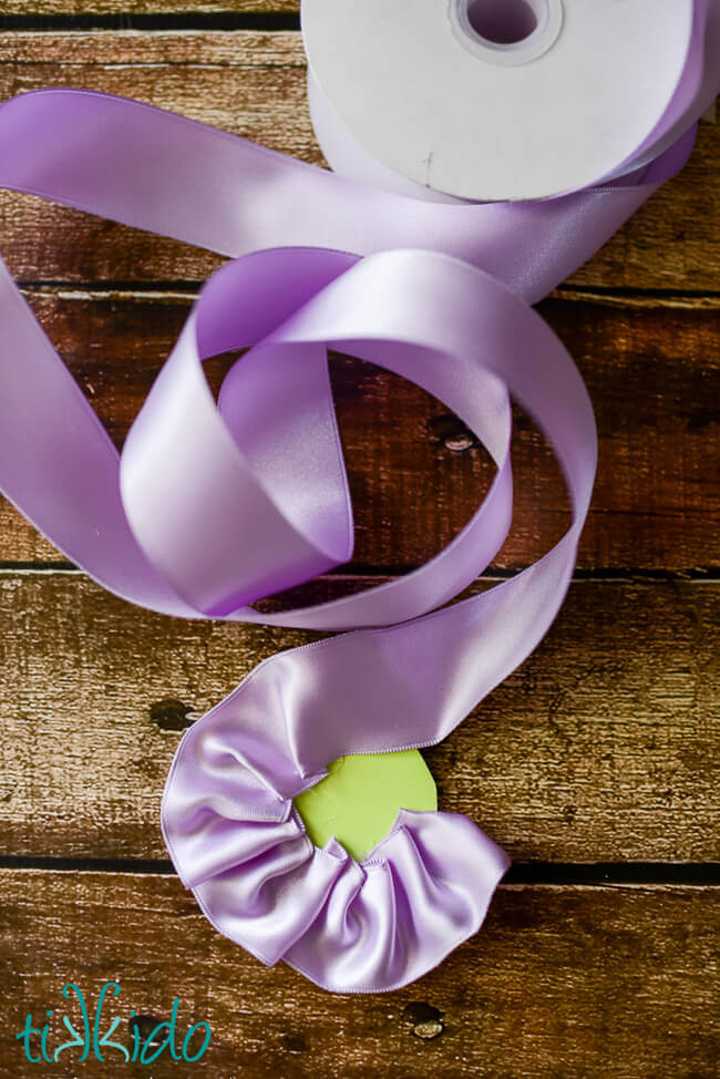 Ruffled Ribbon Rose Spring Gift Wrap Tutorial