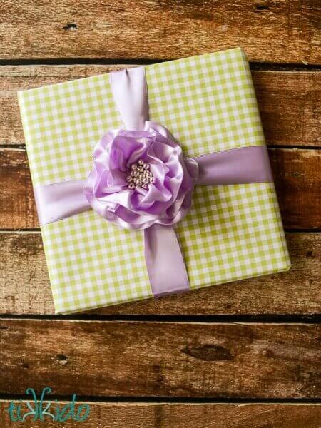 Gift Wrap Gentle Flower 15
