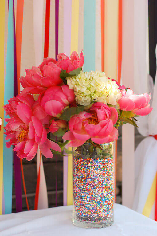 How To Make Sprinkle Lined Vases Tikkido